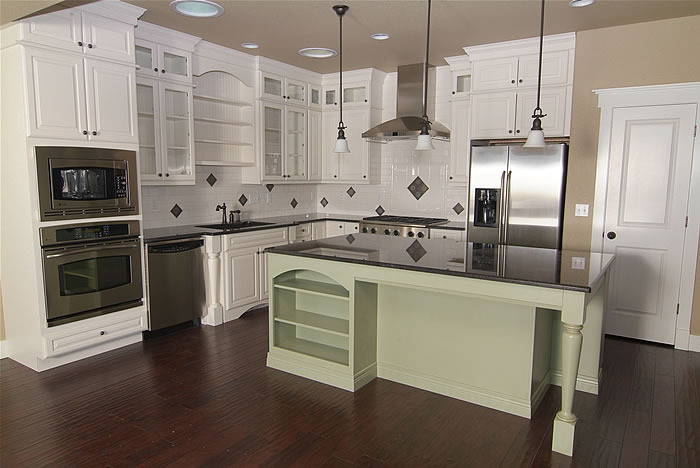 Pictures of off white kitchen cabinets off white kitchen for Kitchen designs with white cabinets